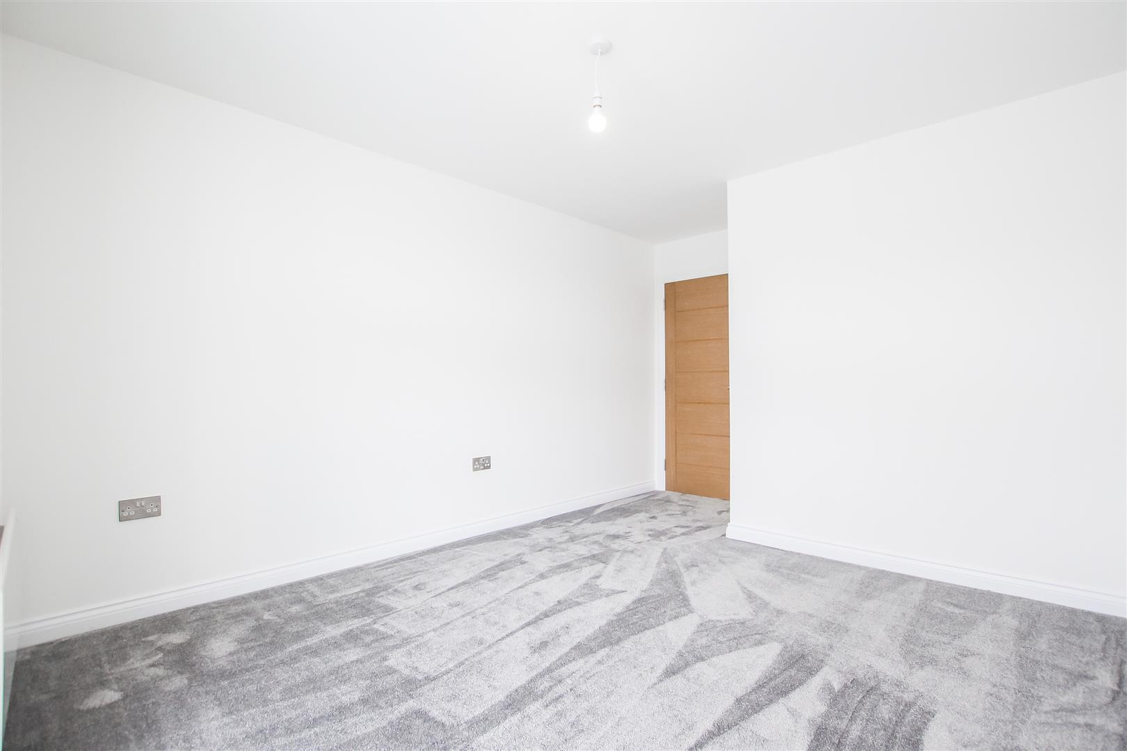 2 Bedroom Apartment For Sale - Image 30
